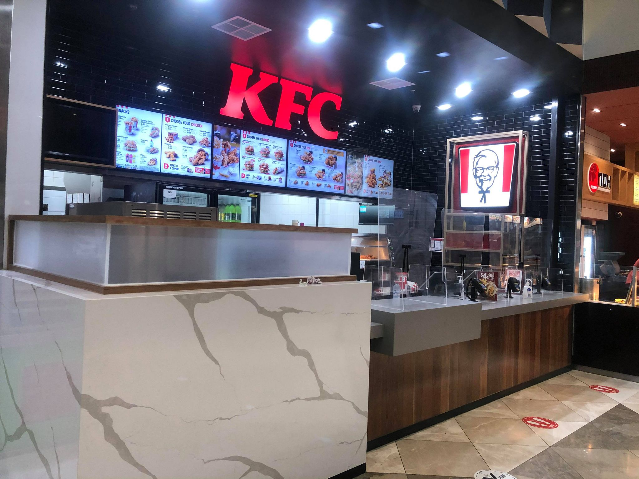 pacific werribee december 2020 kfc foodcourt