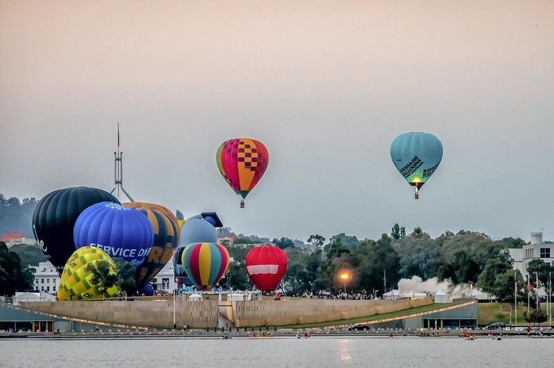 hot air balloon ride over canberra things to do in canberra with kids