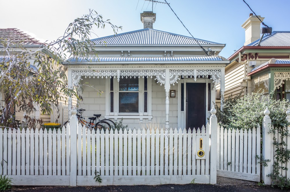 What are Victorian-style homes